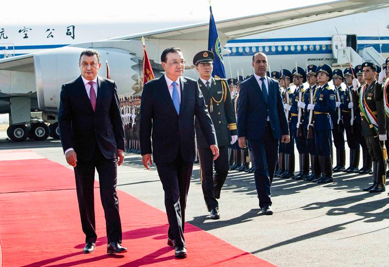 李克强抵达杜尚别出席上海合作组织成员国政府首脑理事会第十七次会议并对塔吉克斯坦进行正式访问